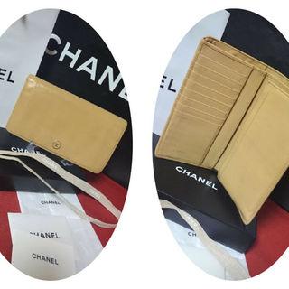 シャネル(CHANEL)の◆美品★シャネルCHANEL★ココボタンカーフスキン2つ折り長財布★99547(財布)