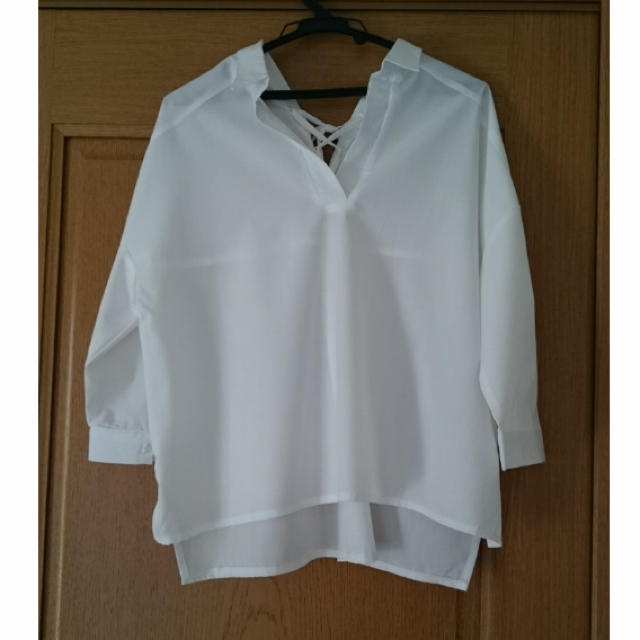 神戸レタス(コウベレタス)の《オフホワイト》スキッパーシャツ  レディースのトップス(シャツ/ブラウス(長袖/七分))の商品写真