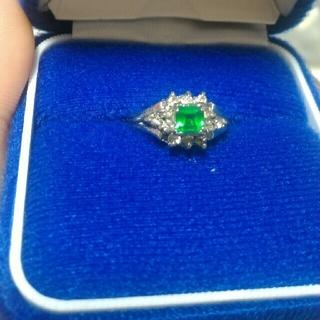 【値下げしました2500円→2000円】エメラルドの指輪(リング(指輪))