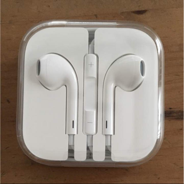 Apple(アップル)のiPhone6s イヤホン 純正 スマホ/家電/カメラのオーディオ機器(ヘッドフォン/イヤフォン)の商品写真