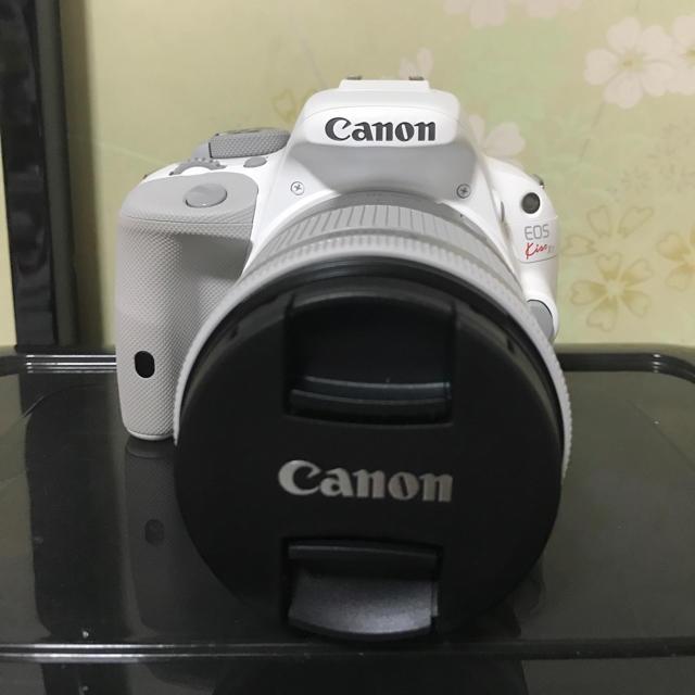 Canon(キヤノン)のEOS kiss X7ホワイト おまけあり。 スマホ/家電/カメラのカメラ(デジタル一眼)の商品写真