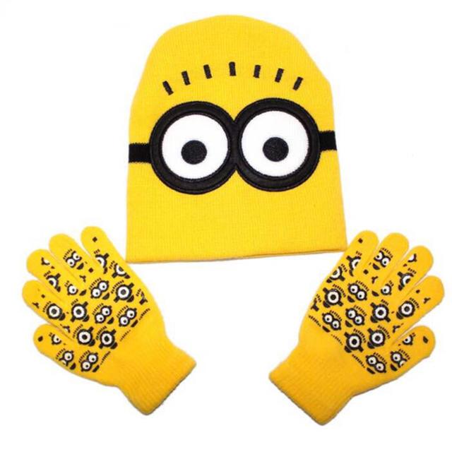 大人気 ミニオンの子ども用の手袋とニット帽のセット  エンタメ/ホビーのコスプレ(小道具)の商品写真