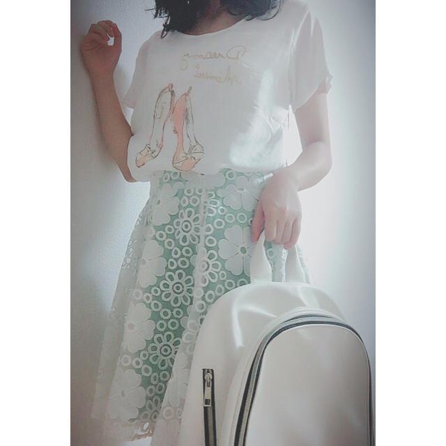 OLIVEdesOLIVE(オリーブデオリーブ)のバレーシューズTシャツ パステルグリーンスカート ホワイトレザーリュック レディースのスカート(ひざ丈スカート)の商品写真
