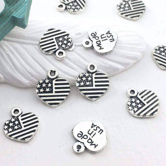星条旗風 ハート チャーム シルバー カラー 10個セット ハンドメイドの素材/材料(各種パーツ)の商品写真