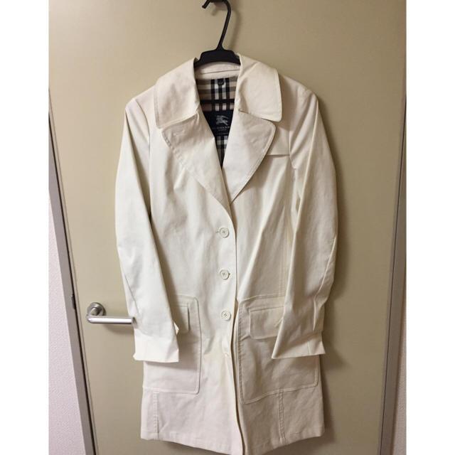 BURBERRY(バーバリー)のバーバリー トレンチコート 白 レディースのジャケット/アウター(トレンチコート)の商品写真