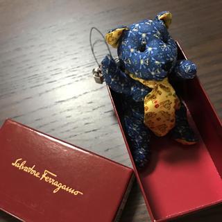 サルヴァトーレフェラガモ(Salvatore Ferragamo)の【未使用】フェラガモ クマちゃん ストラップ(キーホルダー)