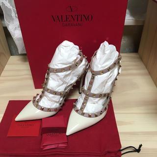 ヴァレンティノ(VALENTINO)の新品未使用Valentinoロックスタッズヒール♡36.5(ハイヒール/パンプス)