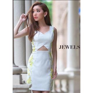 ジュエルズ(JEWELS)のjewels★ミニドレス ホワイト×イエロー百合柄(ナイトドレス)