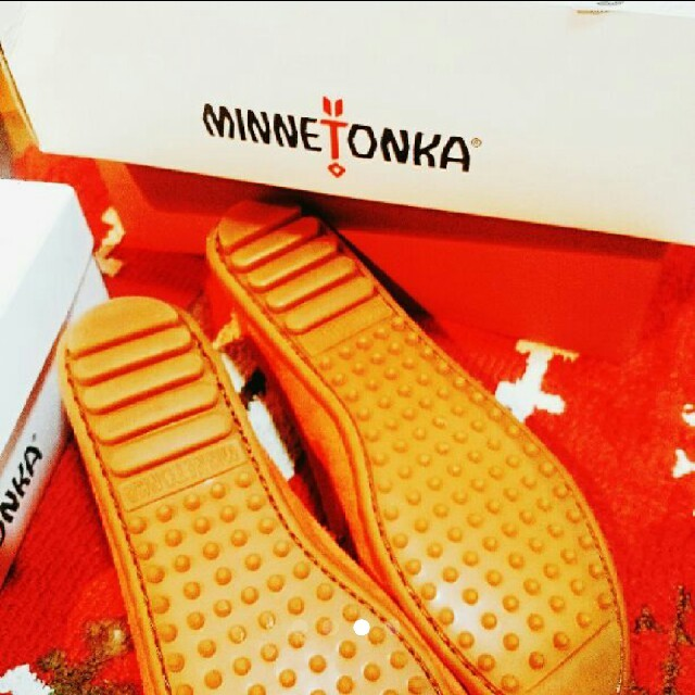 Minnetonka(ミネトンカ)の最終値下げ♪ミネトンカ送料無料○ネクタリンオレンジ新品MINNETONKA レディースの靴/シューズ(スリッポン/モカシン)の商品写真