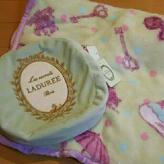 ラデュレ(LADUREE)の新品タグ付き☆ラデュレ  マカロンブランケット(その他)