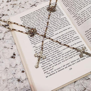 ハニーミーハニー(Honey mi Honey)のrose rosary necklace(ネックレス)