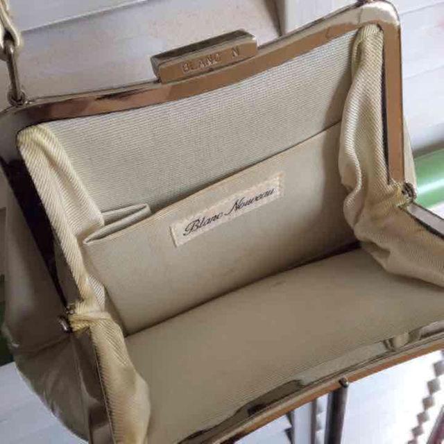 パールホワイト パーティバッグ レディースのバッグ(ハンドバッグ)の商品写真