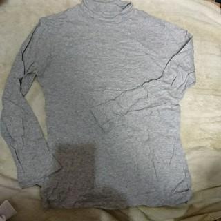 ユニクロ(UNIQLO)のタートルネックT(グレー)(Tシャツ(長袖/七分))