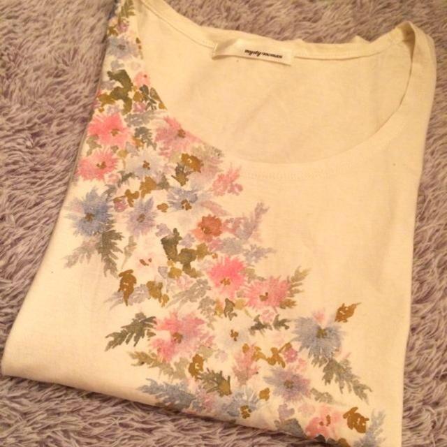 mysty woman(ミスティウーマン)のmysty woman 花柄Tシャツ レディースのトップス(Tシャツ(半袖/袖なし))の商品写真