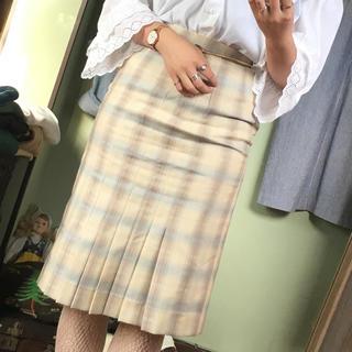 ロキエ(Lochie)のタイトプリーツスカート(ひざ丈スカート)