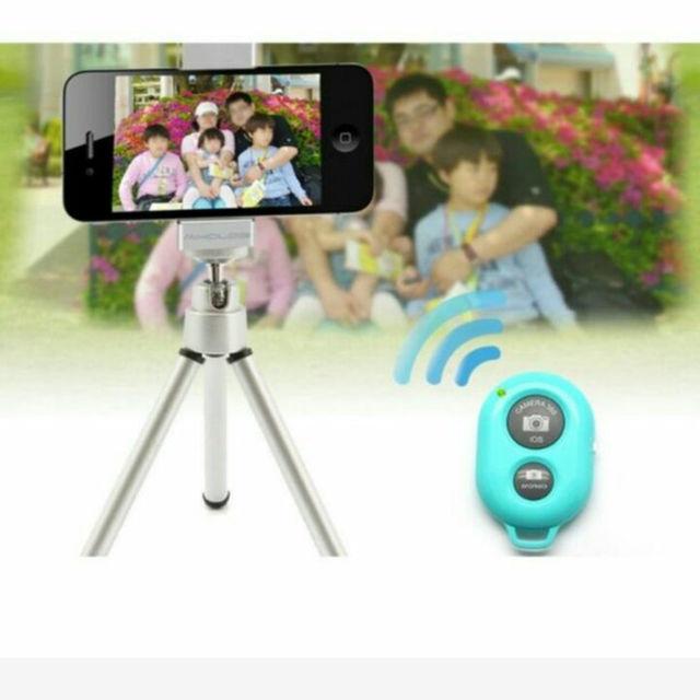 Bluetooth スマートフォン用 カメラリモコン カメラシャッター ブラック スマホ/家電/カメラのスマートフォン/携帯電話(その他)の商品写真