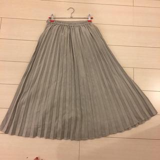 ミスティウーマン(mysty woman)のベロアプリーツスカート(ロングスカート)