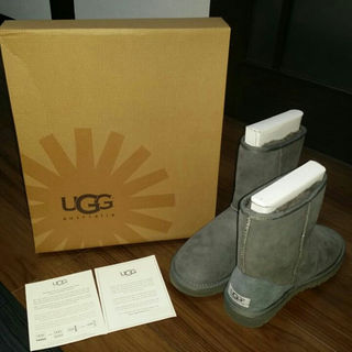 アグ(UGG)の★値下げ中…!新品箱入り…アグ UGG ムートンブーツ usa5 22センチ(ブーツ)