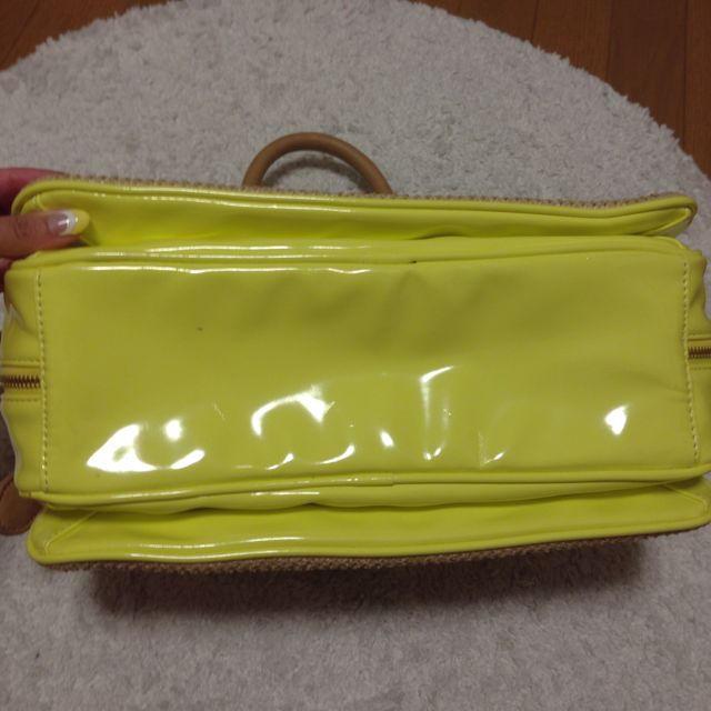 FREE'S SHOP(フリーズショップ)のFREE'S SHOP ネオンイエロー鞄 レディースのバッグ(ハンドバッグ)の商品写真
