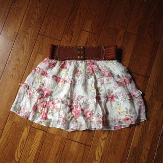 ミスティウーマン(mysty woman)の花柄スカート♡ベルト付き(ひざ丈スカート)