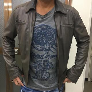 エンポリオアルマーニ(Emporio Armani)のエンポリオアルマーニ レザージャケット 48  カーキグレー革ジャン(レザージャケット)
