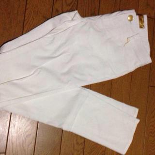 セシルマクビー(CECIL McBEE)の白スキニーパンツ(カジュアルパンツ)
