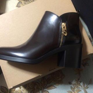 ザラ(ZARA)の新品未使用 zara ショートブーツ 箱あり 24cm(ブーツ)