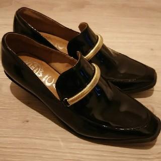 ジェフリーキャンベル(JEFFREY CAMPBELL)のジェフリーキャンベル エナメル ローファー 黒 美品(ローファー/革靴)
