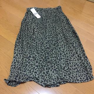 ジーユー(GU)の新品 gu イージープリーツスカート(ひざ丈スカート)