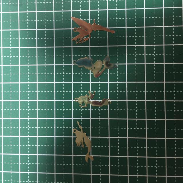 レジン封入10枚 薄ゴールド ハンドメイド プリンセス 人魚 お姫様 童話 ハンドメイドの素材/材料(各種パーツ)の商品写真