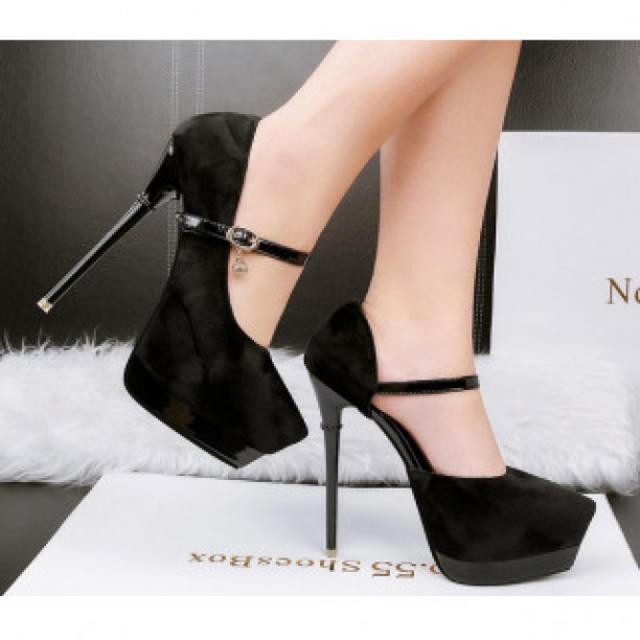 【新作】艶なし ハイヒール パンプス 高級感 ブラック レディースの靴/シューズ(ハイヒール/パンプス)の商品写真
