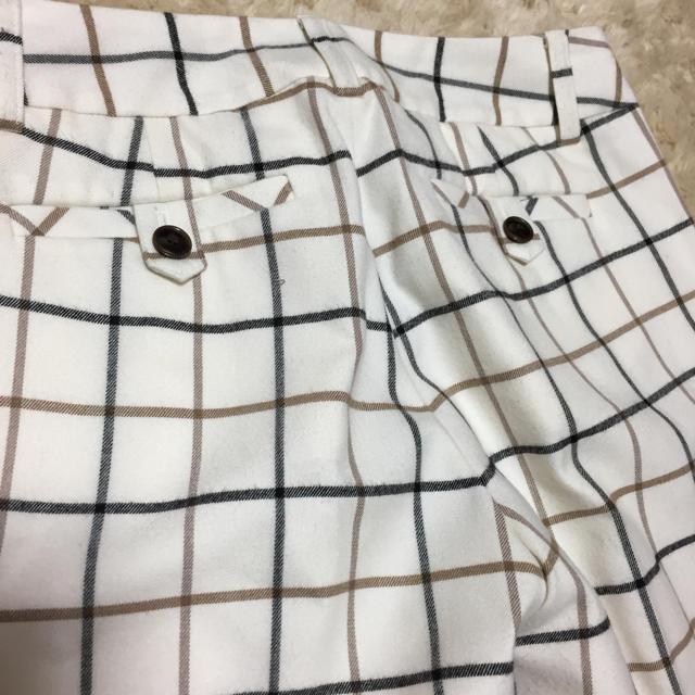 INDIVI(インディヴィ)のINDIVIホワイトチェックウール混センタープレスパンツ☆サイズ05 レディースのパンツ(クロップドパンツ)の商品写真