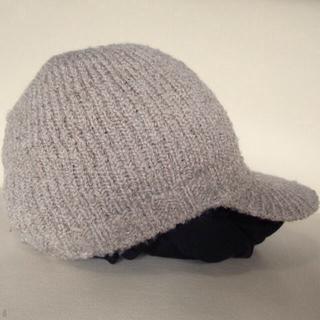 つば付き ニットキャップCAP二ット帽 帽子 ウールWOOL ツバ付 ベージュ(ニット帽/ビーニー)