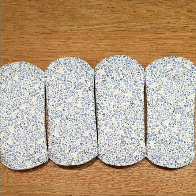 布ナプキン*おりものライナー♡ブルー 小花柄 4枚組 ハンドメイドのファッション小物(その他)の商品写真