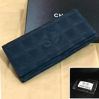 シャネル(CHANEL)のCHANEL(シャネル)ニュートラベルライン 2つ折長財布 Black(財布)