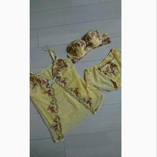 ワコール(Wacoal)のLUNA様専用 wacol  PARFAGE新品ブラ、ショーツ、キャミのセット(ブラ&ショーツセット)