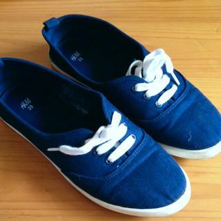 エイチアンドエム(H&M)のペタンコ靴(スニーカー)