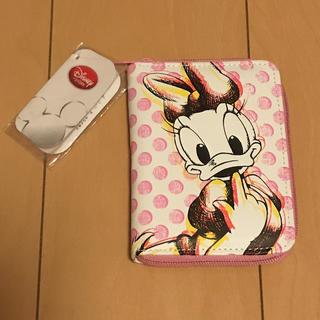 デイジー(Daisy)のYua様専用   未使用  ディズニーストア デイジー カードケース(キャラクターグッズ)