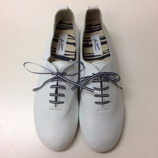 キタムラ(Kitamura)の24.5cm 本革 レースアップシューズ ホワイト キタムラ(ローファー/革靴)