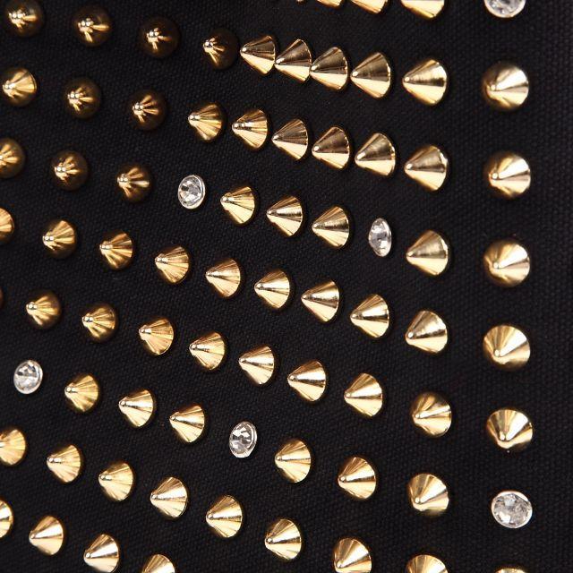 037 トートバッグ 黒×赤×ゴールド+デコ(スタッズ) レディースのバッグ(トートバッグ)の商品写真