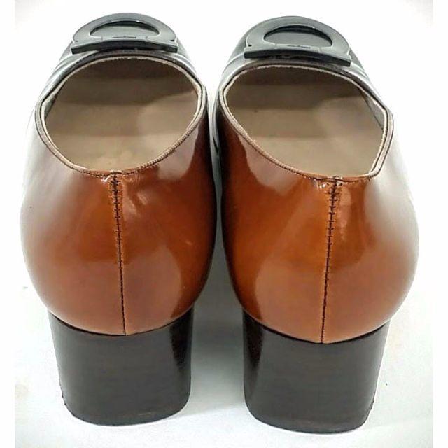 Salvatore Ferragamo(サルヴァトーレフェラガモ)のフェラガモ ガンチーニ パンプス ブラウン 23cm レディースの靴/シューズ(ハイヒール/パンプス)の商品写真