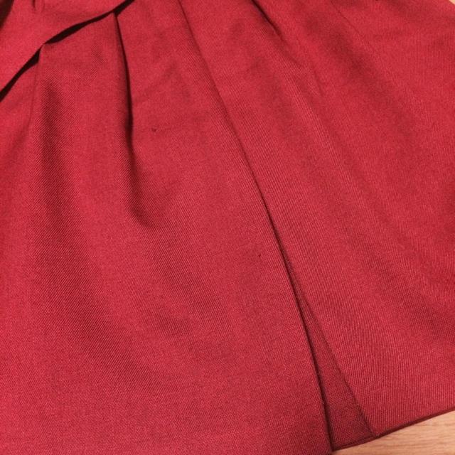 grove(グローブ)のglove ボルドー 赤 ウエストリボン 膝丈スカート レディースのスカート(ひざ丈スカート)の商品写真