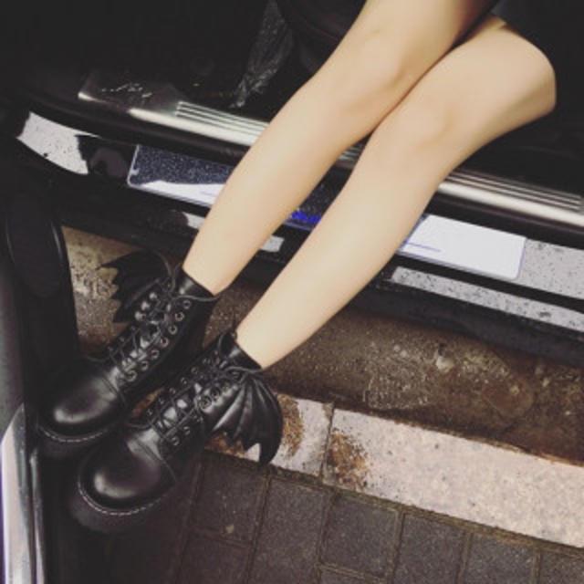 コウモリ デビル かわいい 7ホール ハイカットブーツ DW42ブラック39 レディースの靴/シューズ(ブーツ)の商品写真