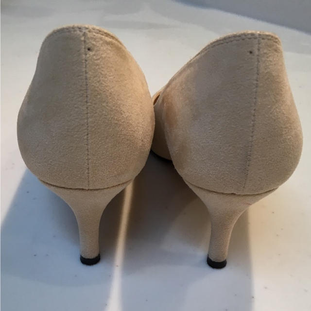 BAYFLOW(ベイフロー)のBAYFLOW スウェード ベージュパンプス  23cm レディースの靴/シューズ(ハイヒール/パンプス)の商品写真