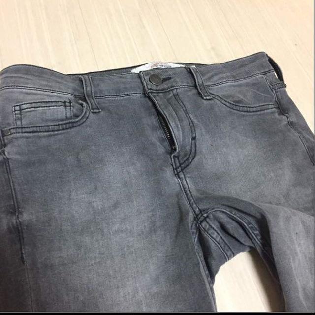 UNDERCOVER(アンダーカバー)のヴィンテージ アクリル加工グレー スーパーストレッチスキニー メンズのパンツ(デニム/ジーンズ)の商品写真