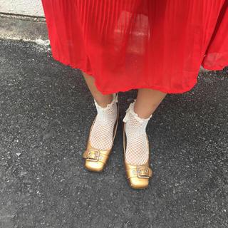 ロキエ(Lochie)のゴールドパンプス(ローファー/革靴)