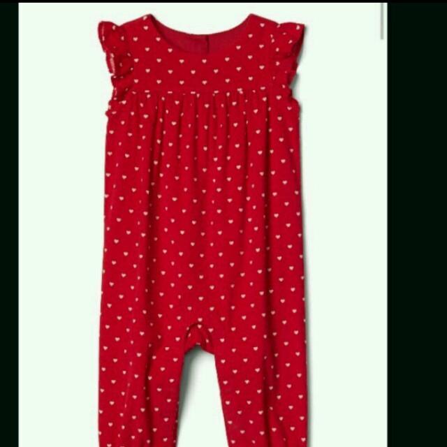 babyGAP(ベビーギャップ)の本日セール!Baby GAPハートロンパース女の子 サロペットオーバーオール キッズ/ベビー/マタニティのベビー服(~85cm)(ロンパース)の商品写真