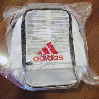 アディダス(adidas)のadidas バッグ(ショルダーバッグ)