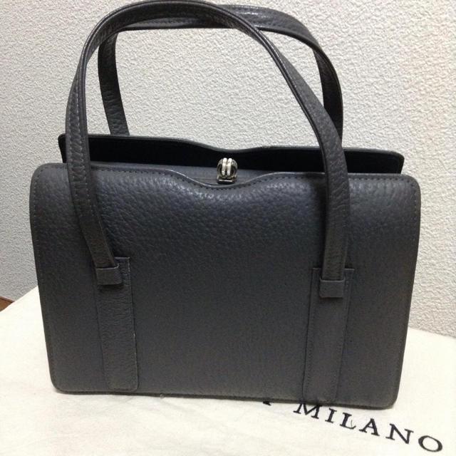 クラシカル 本革 グレー ハンドバッグ レディースのバッグ(ハンドバッグ)の商品写真