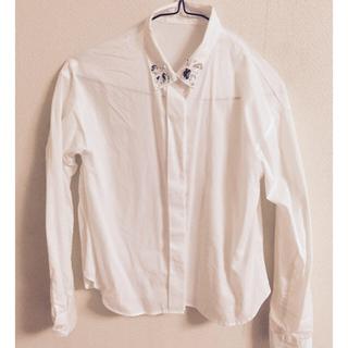 ジーユー(GU)のビジューシャツ(シャツ/ブラウス(長袖/七分))